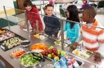 kids-lunch-line